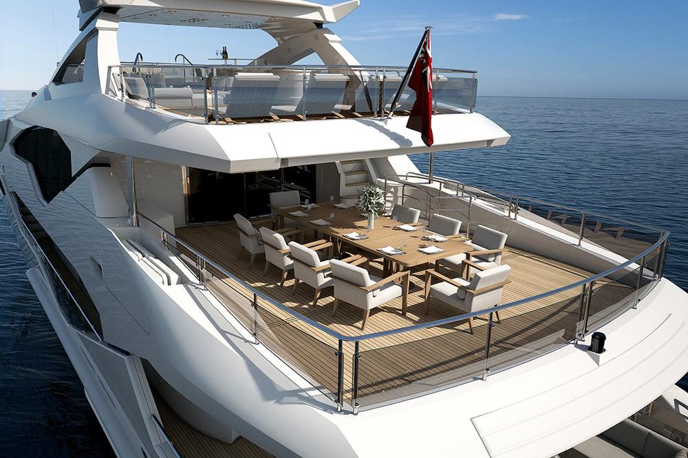 Sunseeker 131 Yacht - Kıç Havuzluk