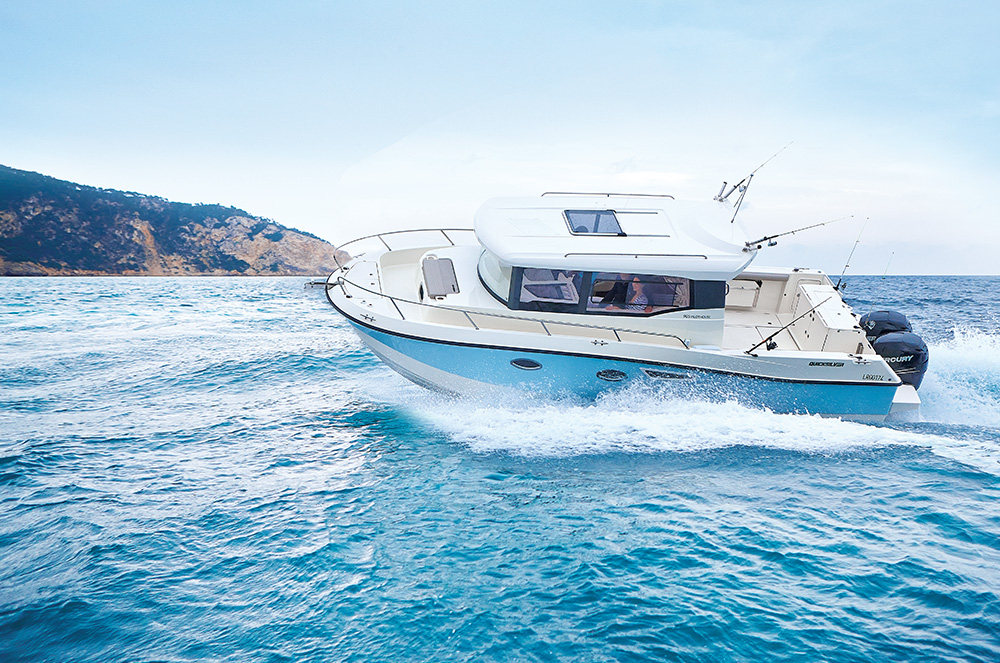 Captur 905 Pilothouse - Mercury Sport