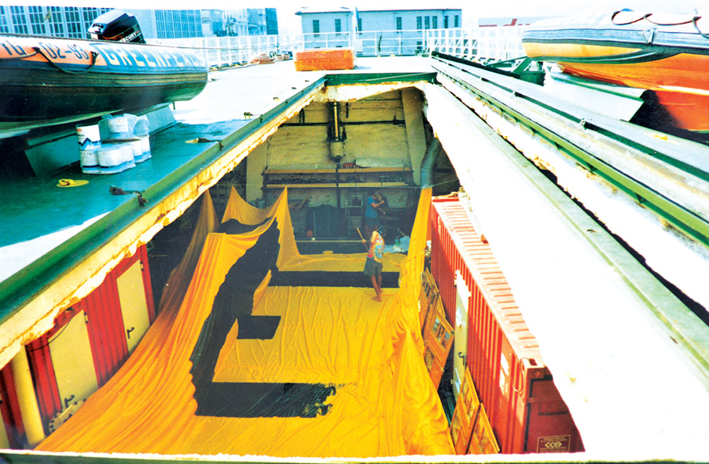 Greenpeace gemisi Rainbow Warrior 3'te eylem hazırlığı