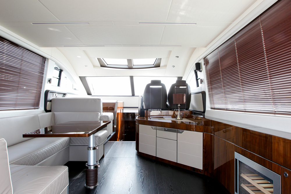 Fairline Squadron 53 - Salon