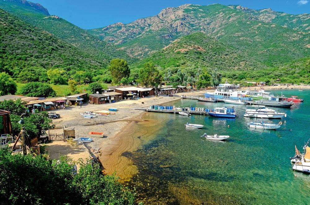 Korsika'nın güzel kıyıları