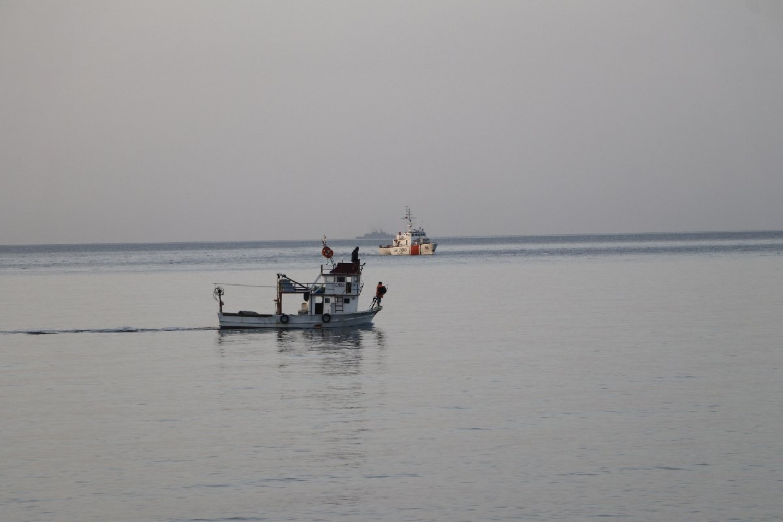 Gökçeada açıklarında alabora olan tekne için arama çalışmaları yapıldı