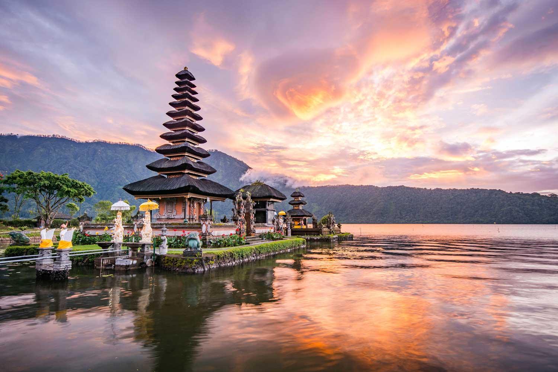 Bali'de görmeniz gereken önemli tapınaklarından biri de Ura Ulun Danu Bratan