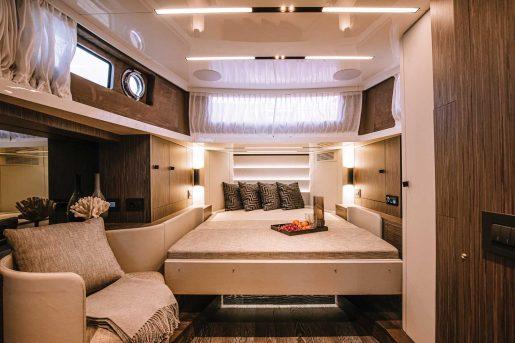 Cranchi A46 Luxury Tender - Salon